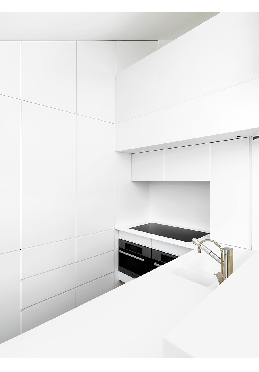Paul Grundy Photography. Minimalist Kitchen